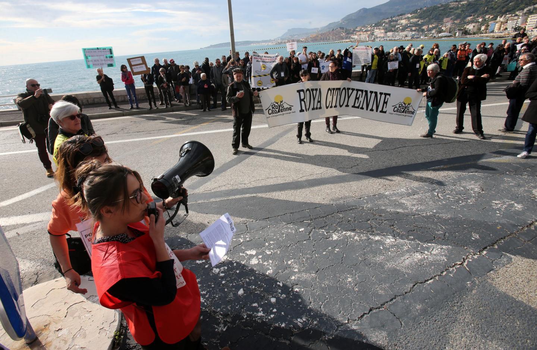 Près de 150 personnes se sont rassemblées pour que les droits des migrants soient respectés.