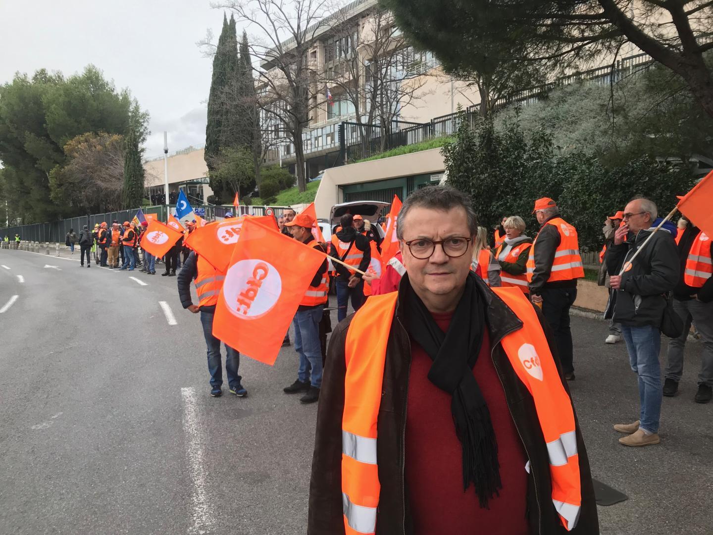 Une délégation de la CFDT, emmenée par Michel Unia, devait remettre au préfet ou à un de ses représentants, une motion détaillant les revendications du syndicat.