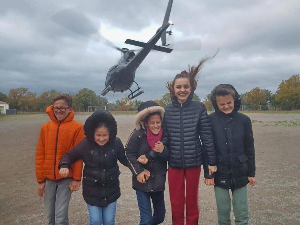 L'hélicoptère, ça décoiffe.