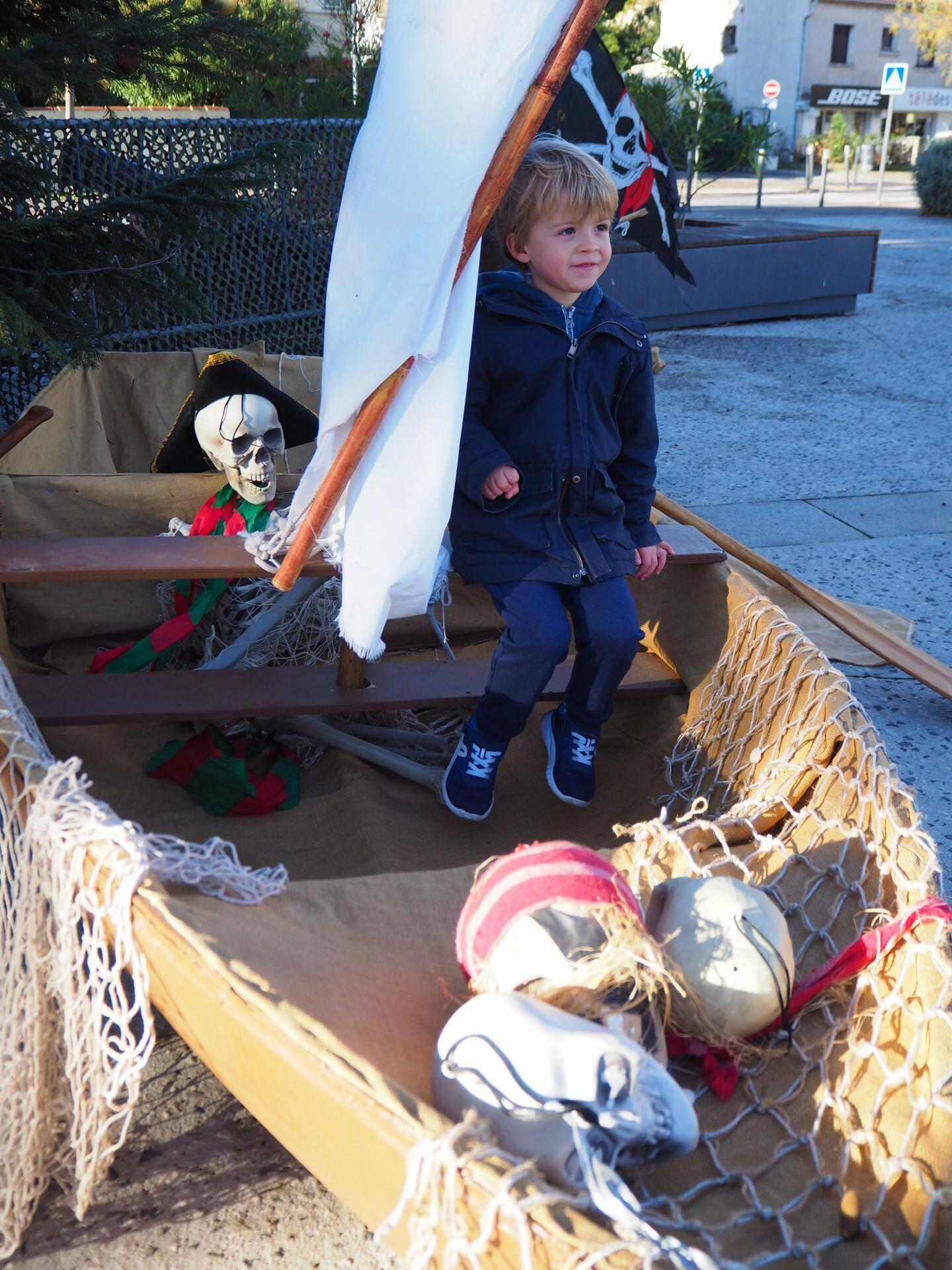 Aux Lônes, Clément a embarqué sur le bateau pirate.