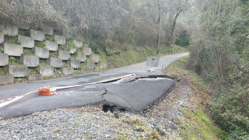 L'affaissement de la route qui mène à Bancao.