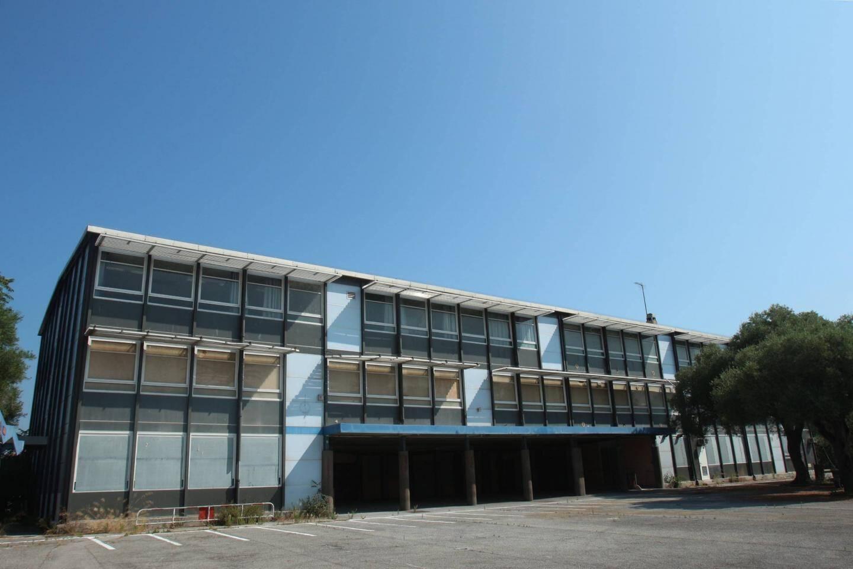 Le collège est vide depuis 2012.