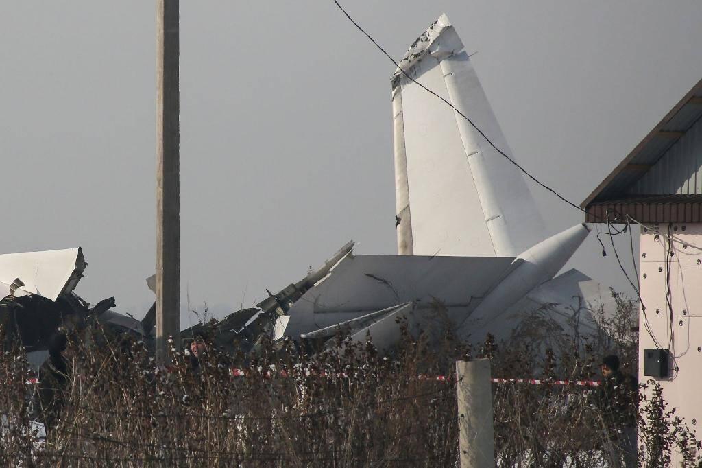 Vue du site d'un accident d'avion meurtrier survenu près d'Almaty le 27 décembre 2019