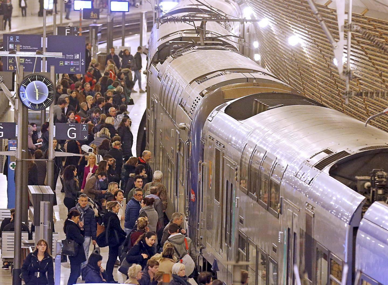 À partir de janvier, 1.000 places supplémentaires par sens (Nice-Menton – Menton-Nice) grâce à une double rame supplémentaire aux heures de pointe.