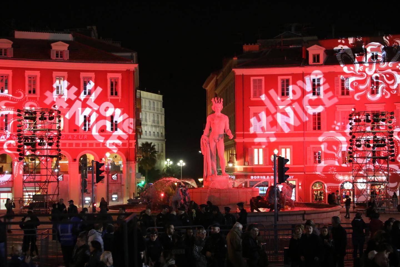 Apollon et la place Masséna ont pris des couleurs festives.