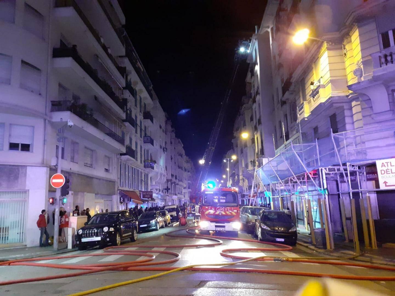 Au total, 31 personnes ont été impliquées dans ce violent incendie dont l'extinction s'est effectuée après une heure de lutte intense.