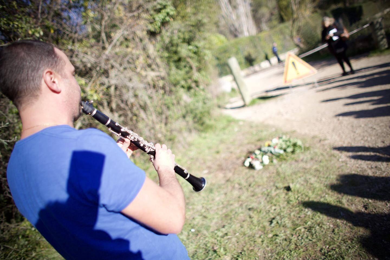 Josselin, professeur de musique, est venu jouer un air de clarinette.