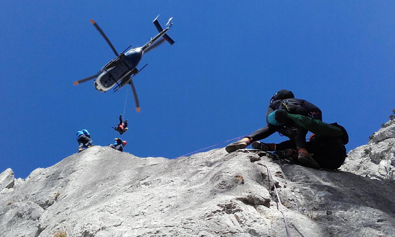Lors d'un exercice avec hélicoptère.
