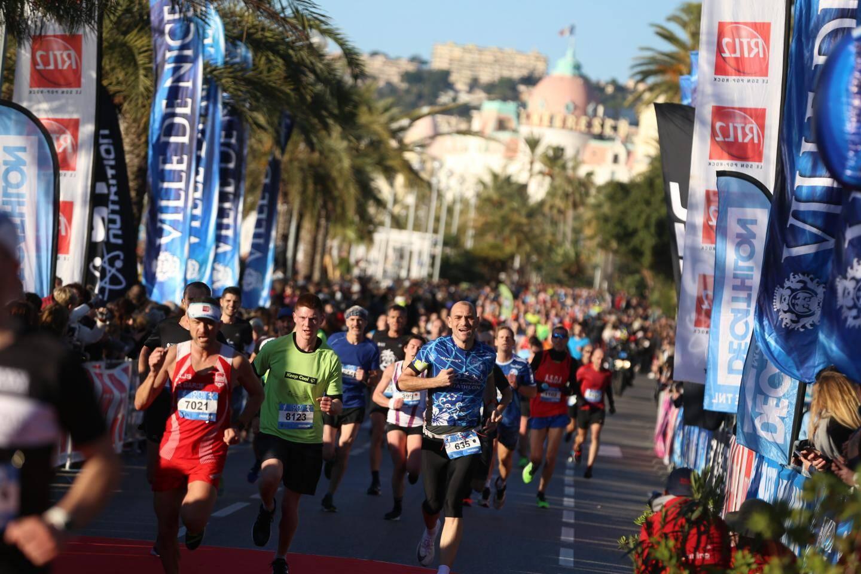 Les maires (Lionnel Luca, Joseph Segura et Christian Estrosi accompagné de son épouse) dans la course.
