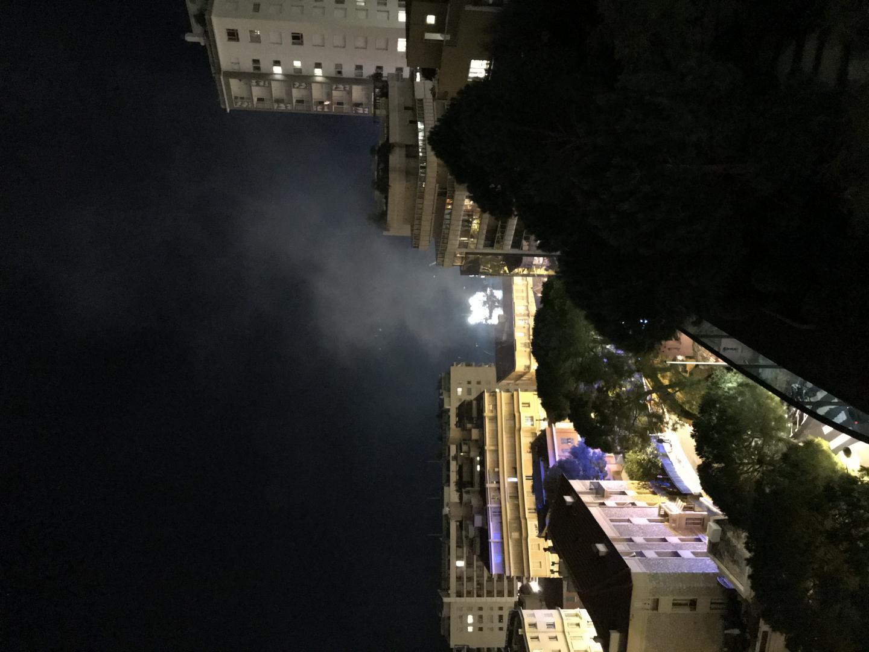 Le panache de fumée était visible depuis les hauteurs de Monaco.(DR)