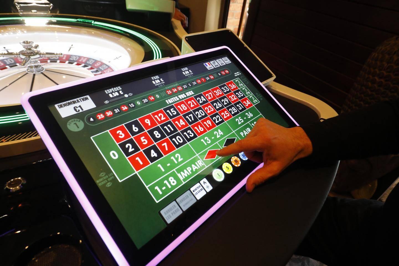 La roulette électronique nouvelle génération est, affirme Gérard Scribans, la première de ce type dans les Alpes-Maritimes. Elle est équipée d'écrans de belle taille.