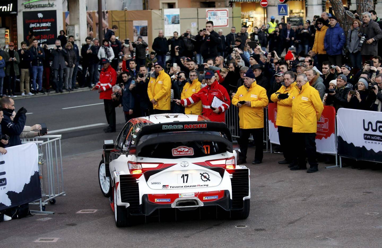 Les fans étaient nombreux au départ de Monaco.
