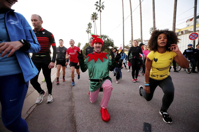 Run en mode fun pour la soixantaine de coureurs, dont certains déguisés.