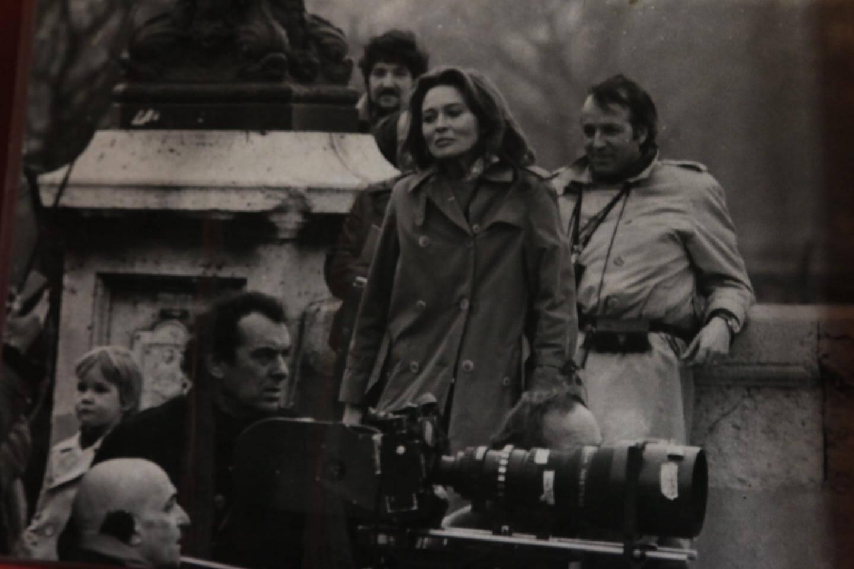 Georges Pastier (derrière la caméra), ici avec Faye Dunaway.