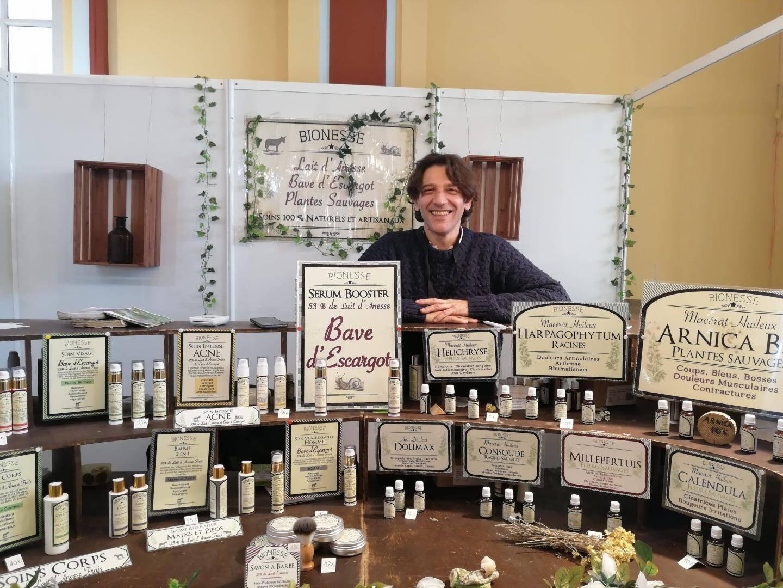 Stéphane Picarone participe au Salon de l'Artisanat depuis 10 ans pour promouvoir ses soins naturels.