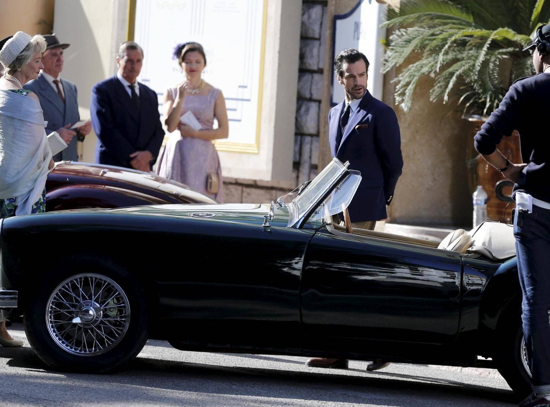 La première apparition à Juan-les-Pins de Romain Duris, mardi matin, devant l'hôtel Belles-Rives, pendant le tournage du film de Régis Roinsard, «En attendant Bojangles».