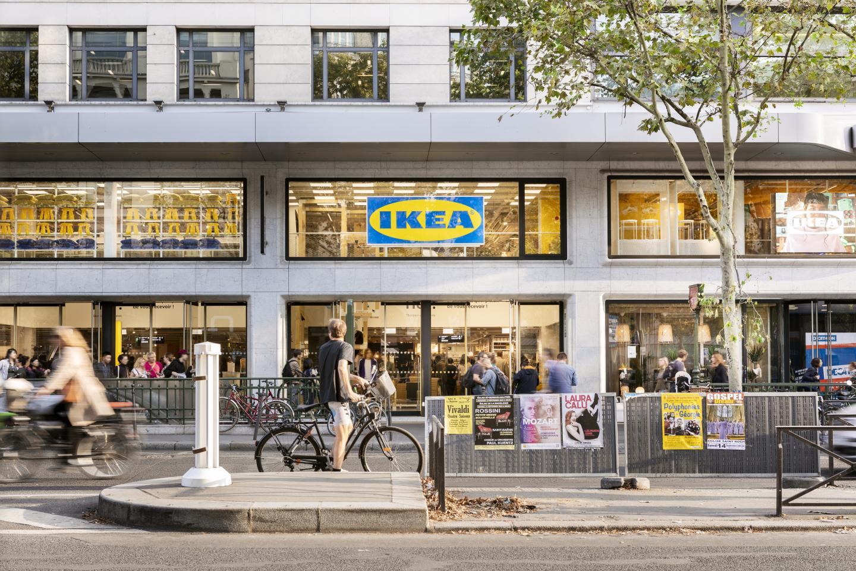 Le concept de point de vente en cœur de ville existe déjà dans le Ier arrondissement de Paris. Celui de Nice sera beaucoup moins grand (300 m2 contre plus de 5 000 dans la capitale) mais fonctionnera sur le même principe.