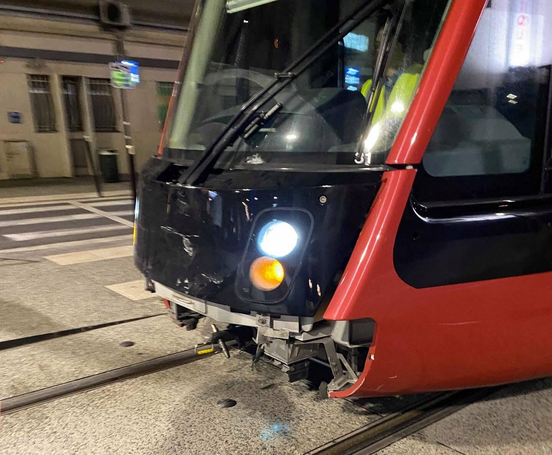L'accident s'est produit à proximité de l'hôpital Lenval, ce vendredi soir, mais il n'a pas fait de blessé.