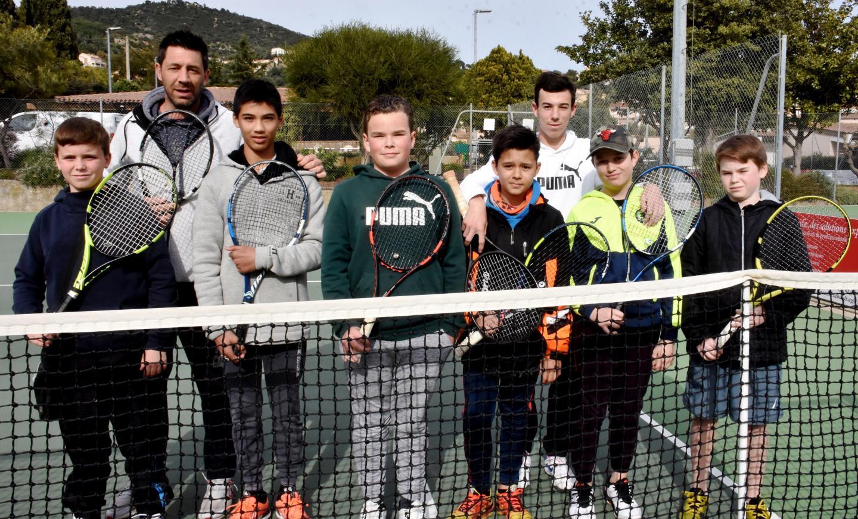 ... et les jeunes Borméens dirigés par Christophe Massaro et Raphaël Gomila.