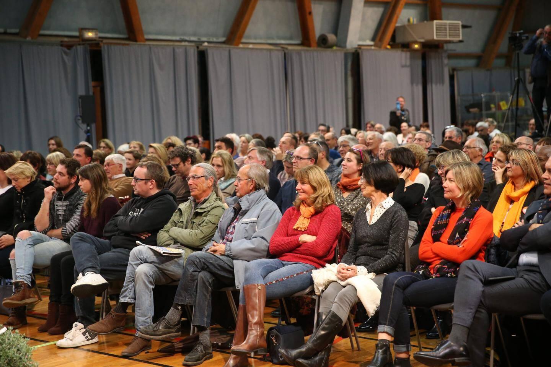 La salle du cinéma Casino affichait complet pour le débat organisé par Nice-Matin jeudi entre les candidats à l'élection municipale de Vence.
