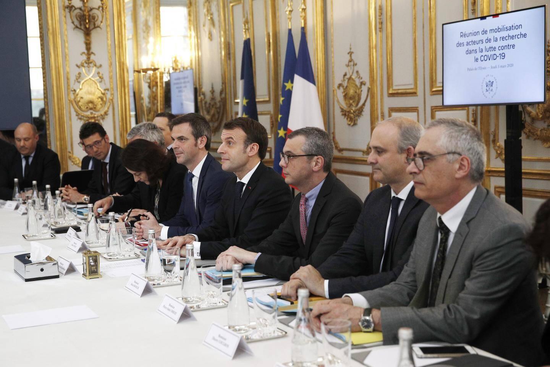 Une vingtaine des meilleurs spécialistes français sur le sujet ont été reçus hier à l'Elysée.