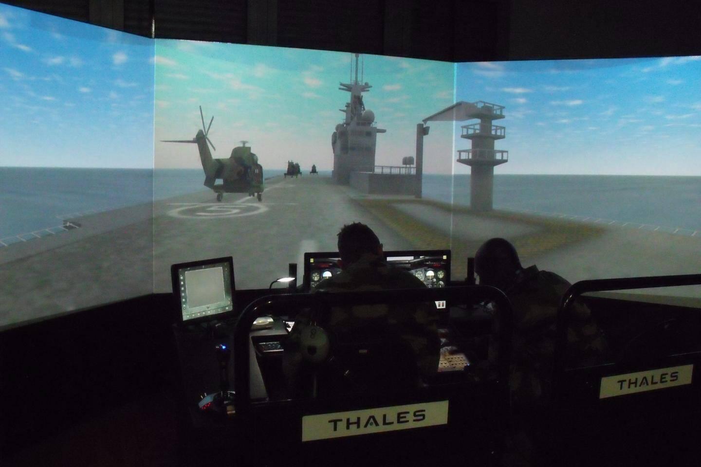 La salle des six simulateurs EDITH.