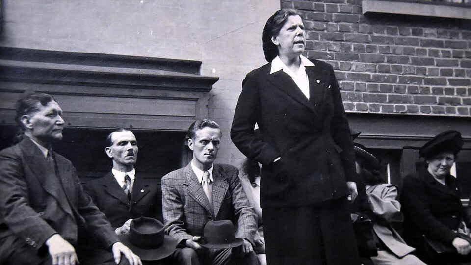 Femme de conviction et d'engagement, Martha Desrumaux fut une leader syndicaliste et politique de premier plan.