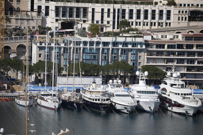 Le Port Palace… vu du Rocher.