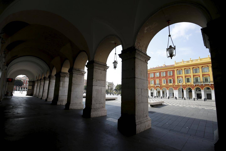 Les arcades de la place Masséna