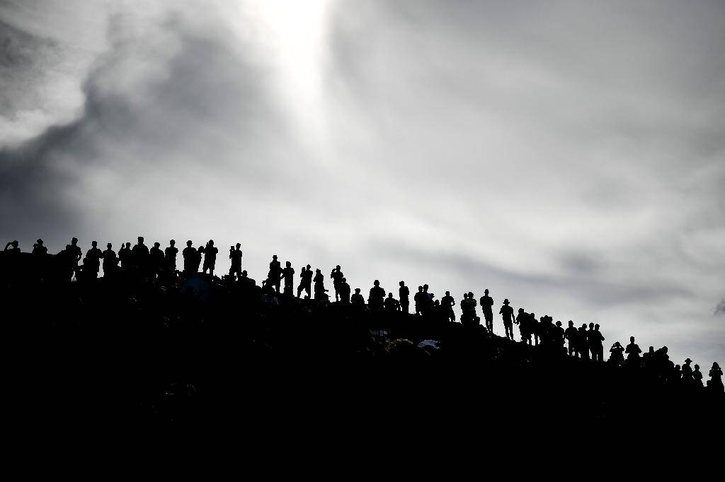 Des supporteurs sur le Col d'Aubisque, lors du Tour du France, le 27 juillet 2018