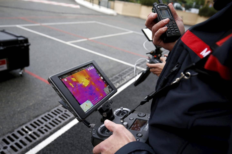 Habituellement utilisé par les pompiers, le drone permet d'avoir des images aériennes classiques ou thermiques.