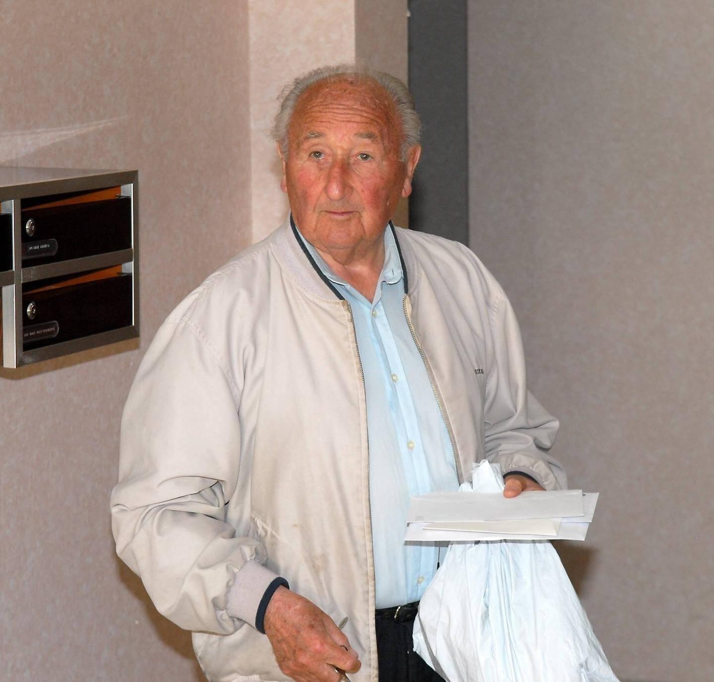 S'il avait rejoint, depuis un an, un Ehpad parisien, Georges Hollande résidait, jusqu'alors et durant plus d'une vingtaine d'années, dans la résidence familiale de Montrose, à Cannes.