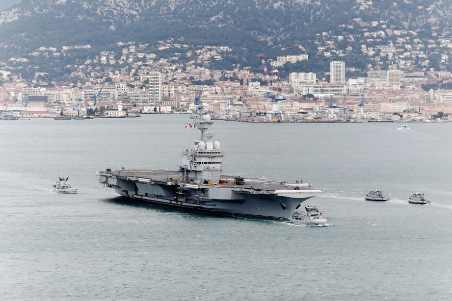 Sept marins du Charles de Gaulle sont toujours hospitalisés.