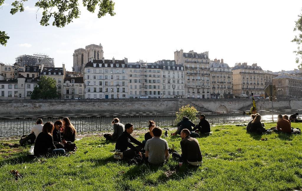 Sur les berges de la Seine à Paris, le 11 mai 2020.