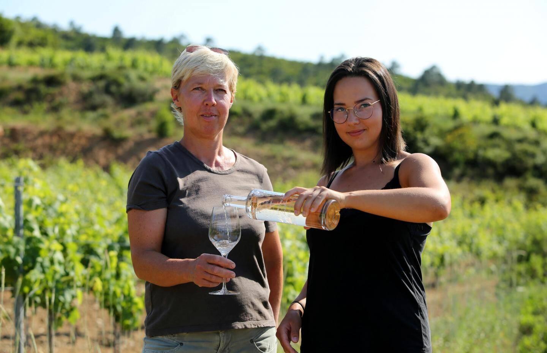 Ellen et sa fille Laure ont hâte de faire partager leur production issue des vignes du Val d'Astier.