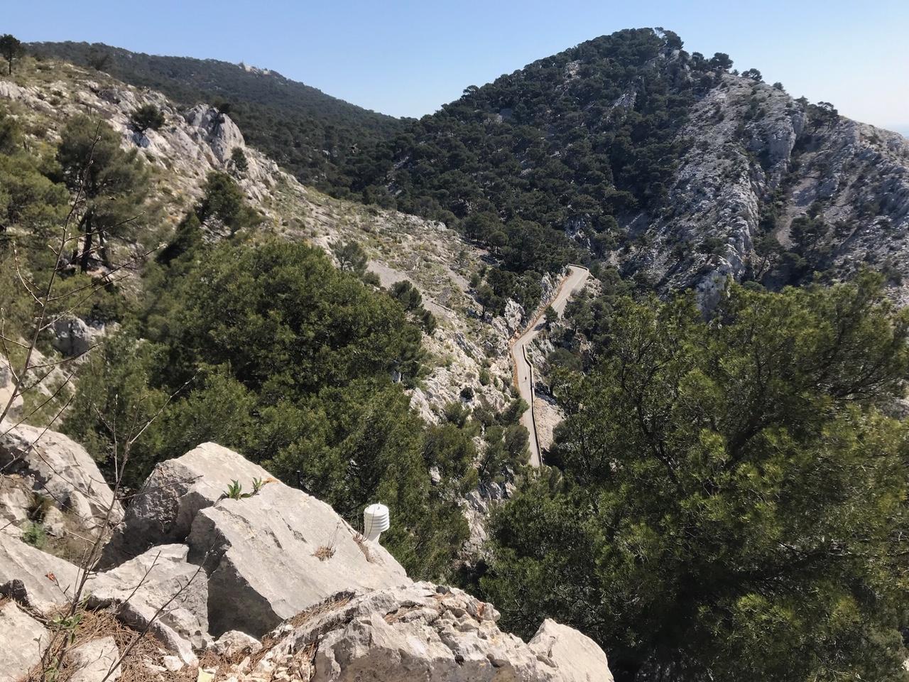 Les techniciens utilisent des cibles comme celle-là pour effectuer des photos en haute définition des falaises et des mouvements de terrain.