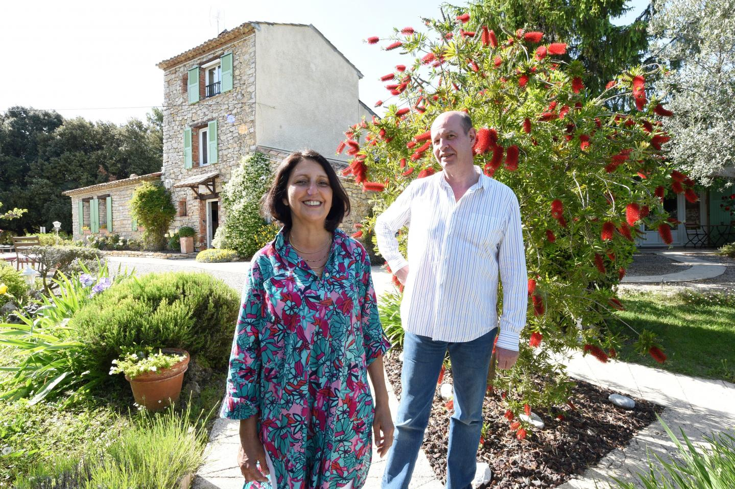Isabelle et Allain d Aubreby, propriétaires de La Vieille Bastide à Flayosc.