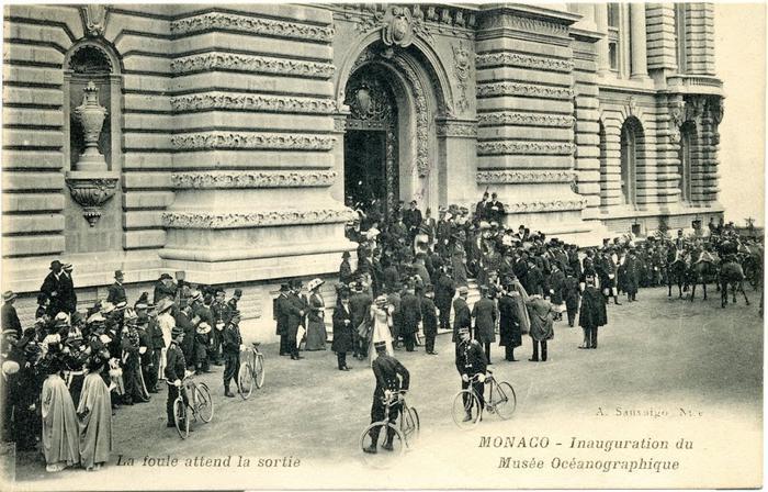 Au printemps 1920, il y avait foule devant le Musée océanographique pour débattre de santé publique autour du prince Albert-1er.