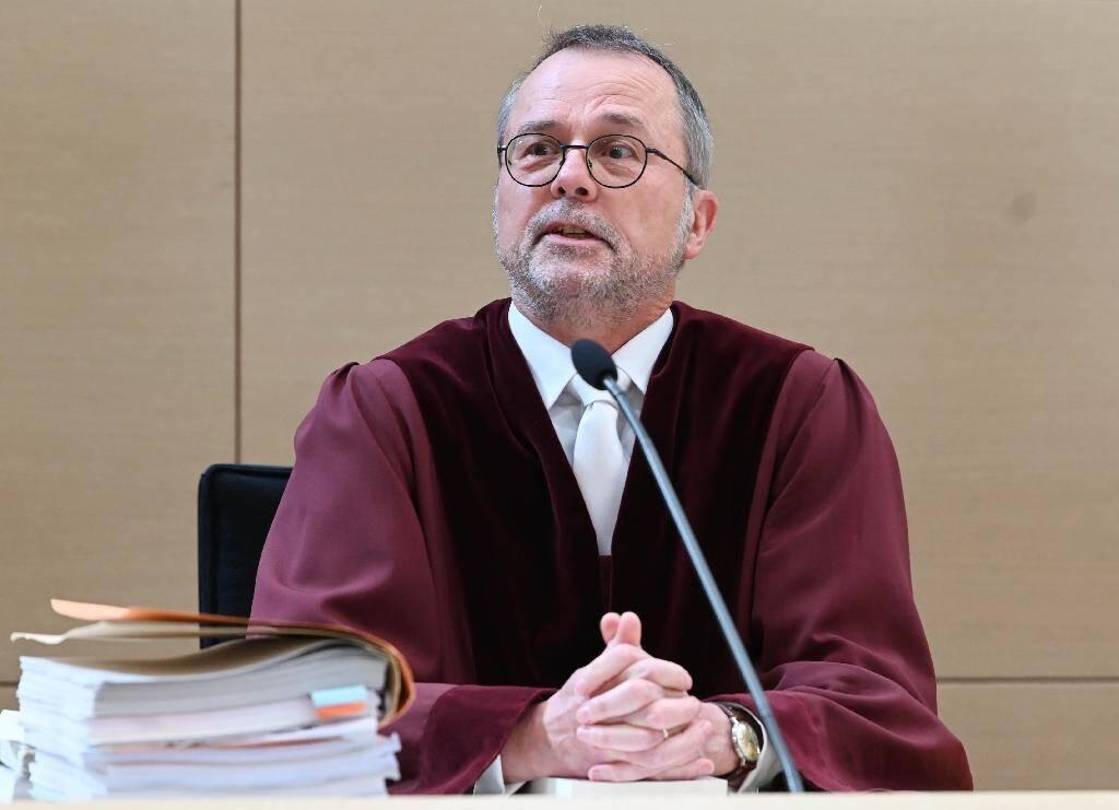 Le président de la Cour fédérale allemande, Peter Meier-Beck, siège le 23 juin 2020 à Karlsruhe lors de l'examen d'un recours déposé par Facebook contre une décision  de l'autorité nationale de la concurrence