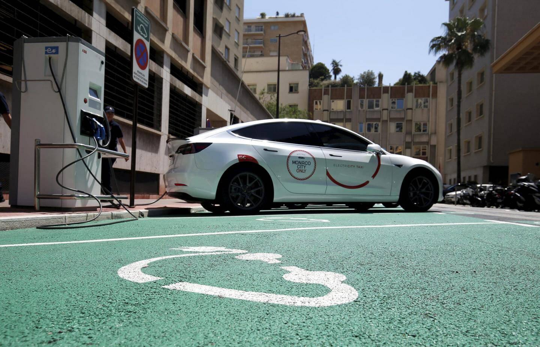 La flotte de taxis électriques est suspendue pour l'été.