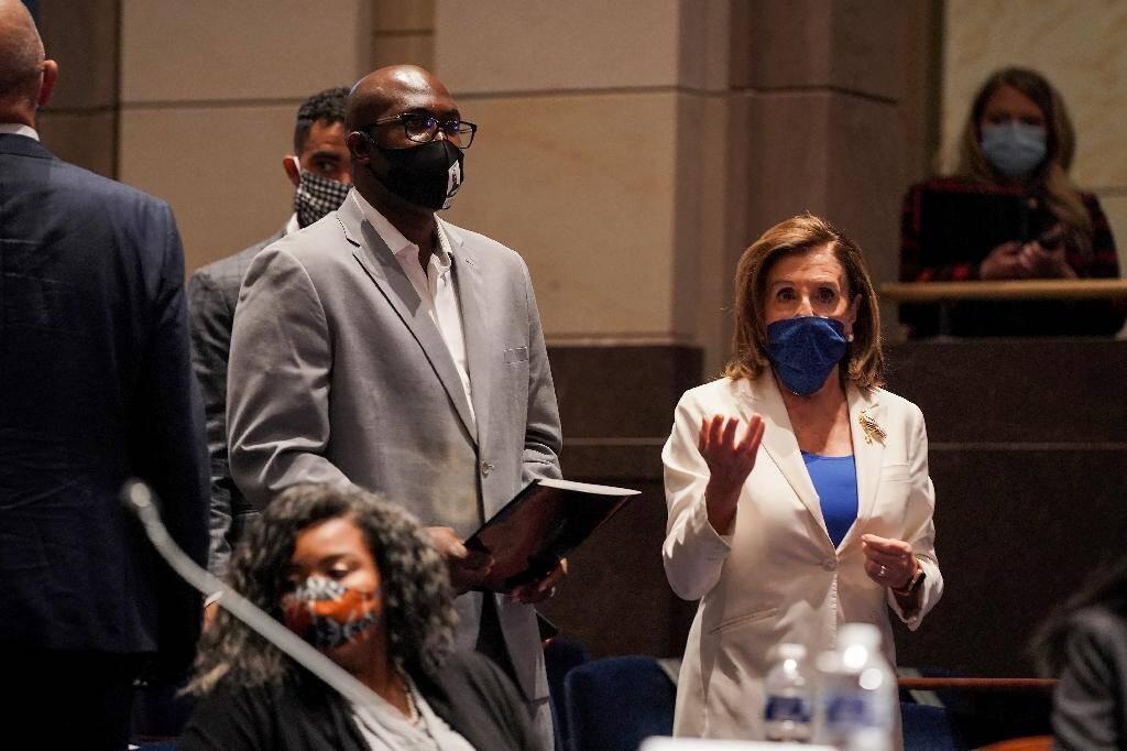 Philonise Floyd et Nancy Pelosi au Congrès le 10 juin 2020 à Washington