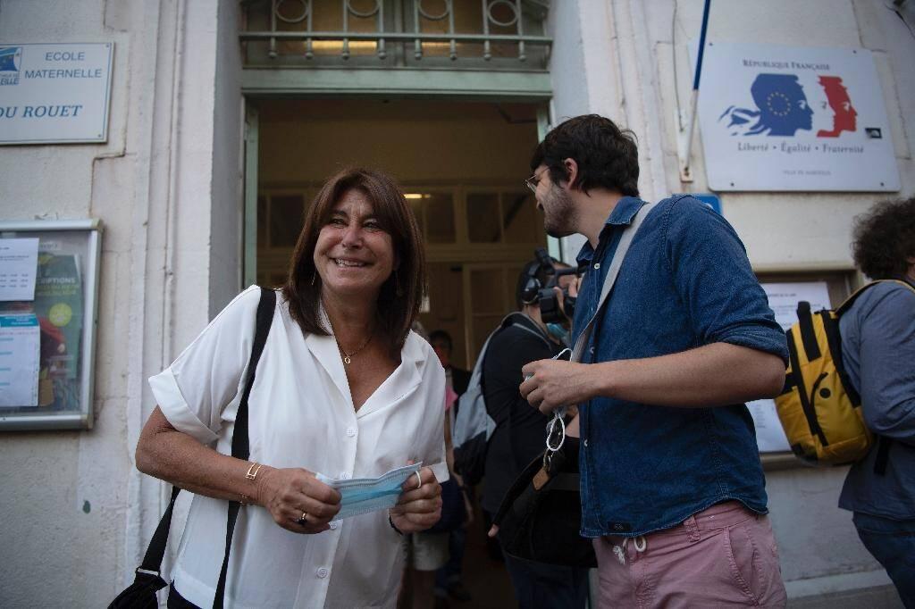 La candidate du Printemps marseillais Michèle Rubirola vient de voter le 28 juin 2020 pour le second tour des élections municipales à Marseille