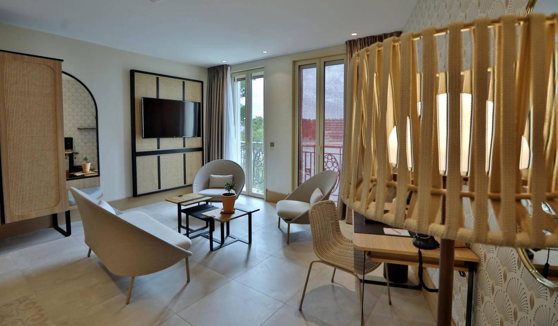 L'établissement compte 11 chambres et suites.