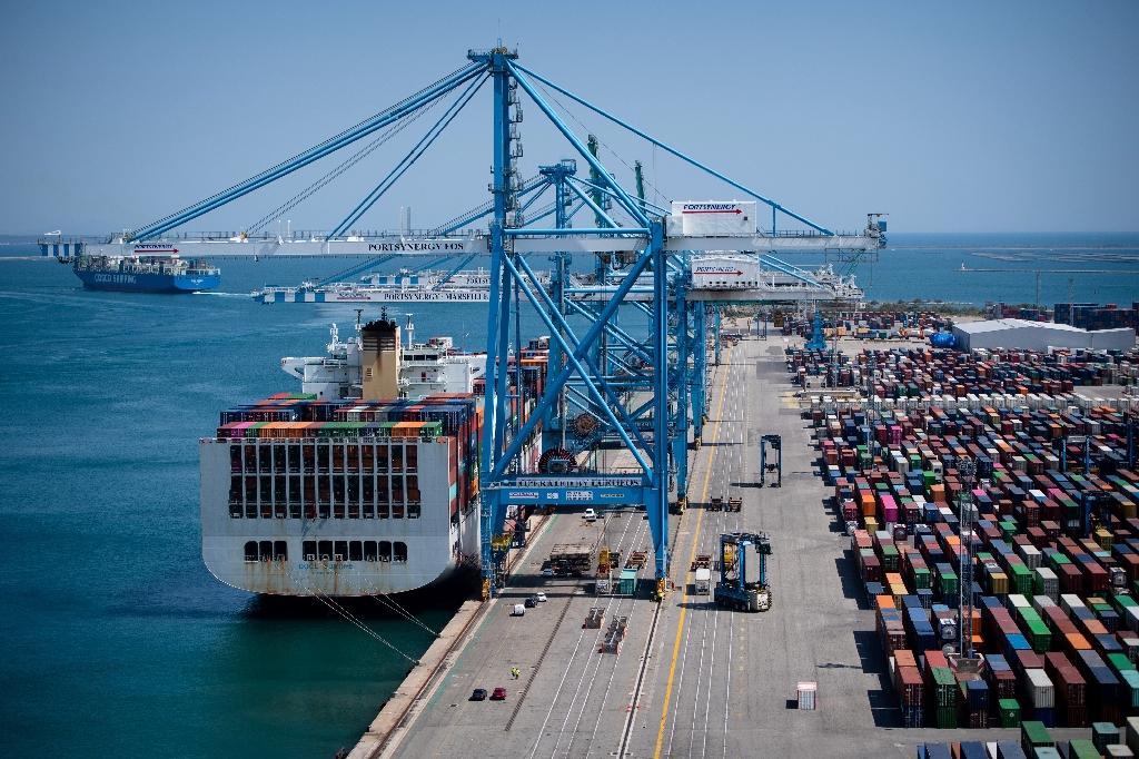 Les portiques du port industriel de Marseille, à Fos-sur-Mer, le 23 juillet 2020.