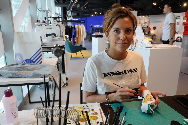 Laura Custom pour personnaliser à la demande ses vêtements, chaussures et accessoires..