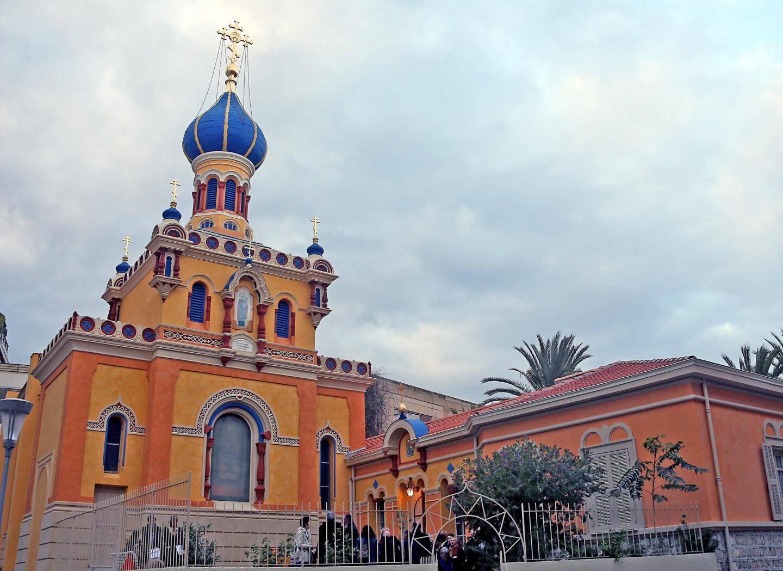 L'église orthodoxe russe nous embarque tout droit pour le pays des tsars.