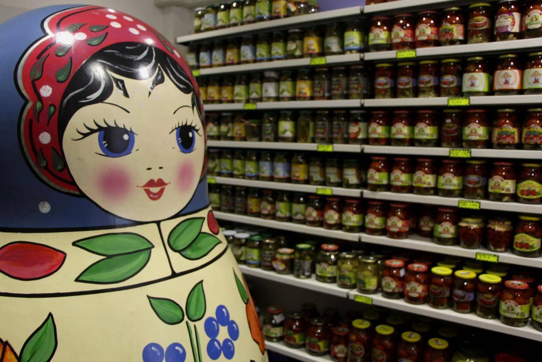 """La boutique """"Gastronomie russe"""" perd 30 % de chiffres d'affaires tous les mois."""