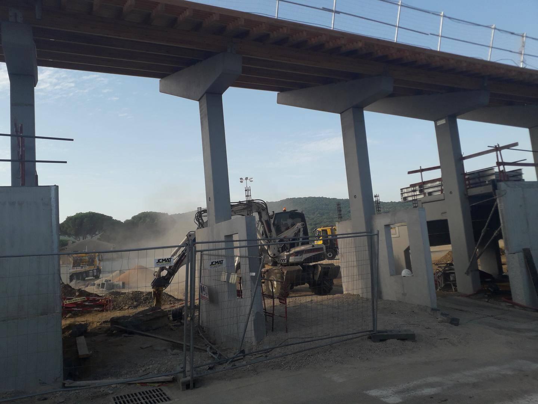 Le chantier bat son plein cet été pour être livré au début de l'automne.