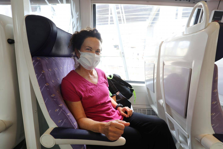 Michelle voyage quotidiennement à bord du train.