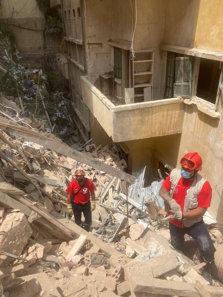 Malheureusement, deux personnes décédées ont été sorties des décombres...